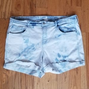OLD NAVY GREAT COND BLEACH BLUE JEAN SHORT SHORTS